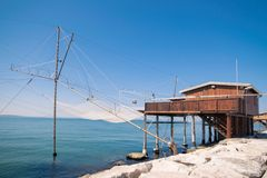 Trabucco, trebuchet, trabocco -它的传统渔房子 库存照片