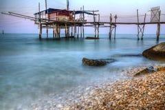 Trabucco (钓鱼的房子)福萨切西亚小游艇船坞基耶蒂意大利2 免版税库存图片