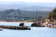 Trabucco perto de Vieste no mar de adriático, Itália Imagens de Stock Royalty Free