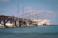 Trabucco trebuchet, trabocco - traditionella fiskehus i den Arkivbilder