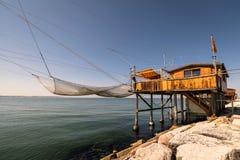 Trabucco, trebuchet, trabocco - tradycyjni połowów domy w Nim Obrazy Stock