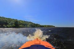 Tracce dell'acqua di aliscafo della barca di velocità Immagine Stock Libera da Diritti