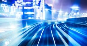 Tracce della luce sulle giunzioni di traffico Immagini Stock