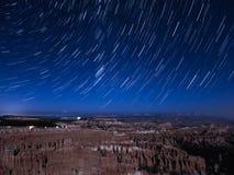Tracce della stella sopra Bryce Canyon fotografie stock libere da diritti