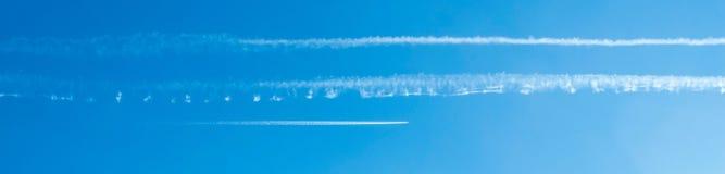 Tracce nel cielo Immagini Stock