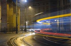 Tracce nella città di notte Fotografia Stock