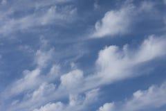 Tracce nuvolose fotografie stock
