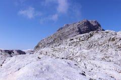 Traccia del percorso della montagna con i segni Immagini Stock