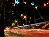 Traccia del semaforo di notte Immagini Stock Libere da Diritti