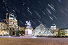 Traccia della stella al Louvre fotografie stock libere da diritti