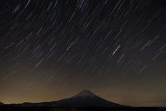 Traccia della stella con Fuji Fotografia Stock Libera da Diritti