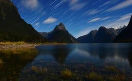 Traccia della stella da Milford Sound Fotografie Stock