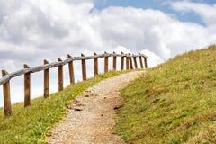 Traccia di escursione attraverso le colline di area di San Francisco Bay del sud, San Jos?, California immagini stock libere da diritti