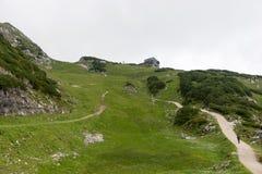 Traccia di escursione attraverso le montagne delle alpi bavaresi Fotografie Stock Libere da Diritti
