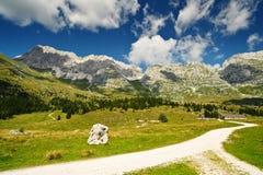Traccia di escursione della montagna immagini stock libere da diritti