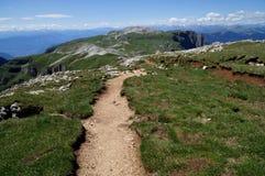 Traccia di escursione meravigliosa le montagne della dolomia/il picco/verso sud nel Tirolo/Italia schlern Fotografia Stock