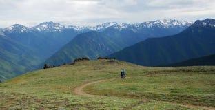 Traccia di escursione sulla sommità della montagna Fotografia Stock