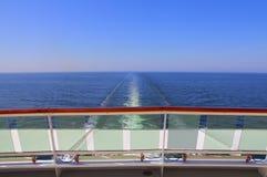 Traccia di risveglio della nave dell'oceano Fotografie Stock