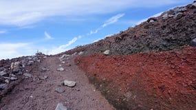 Traccia di trekking sulla montagna di Fuji immagine stock