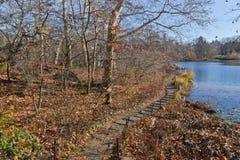 Traccia nel lago central park Immagini Stock Libere da Diritti
