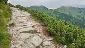 Traccia rocciosa alta nelle montagne Kasprowy Wierch, montagne di Tatra, Polonia Fotografie Stock Libere da Diritti
