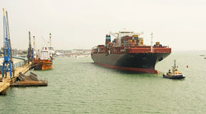 Tracción adentro al puerto Fotos de archivo