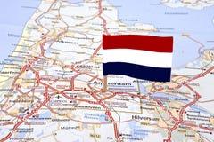 Trace dos Países Baixos com a bandeira holandesa Foto de Stock Royalty Free