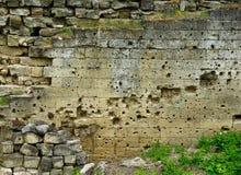 Traces des remboursements in fine sur le mur de forteresse Photographie stock libre de droits