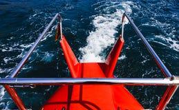 Traces sur l'eau Photo stock