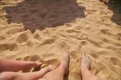 Traces sur le sable chaud Image stock