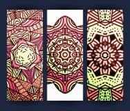 Tract avec le mandala rouge Mandala réaliste de Bourgogne de brochure Image stock