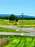 Tracteur dans l'herbe image libre de droits
