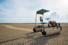 Tracteur de ferme de sel Image libre de droits