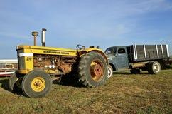 Tracteur de Minneapolis Moline G705 Photographie stock libre de droits