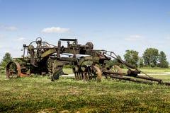 Tracteur pour deux hommes antique et niveleuse hippomobile de route Photo libre de droits