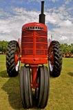 Tracteur refourbi de Farmall Photos libres de droits