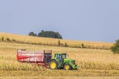 Tracteurs dans Gye, France Photographie stock
