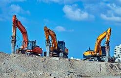Tracteurs sur une petite colline Images stock
