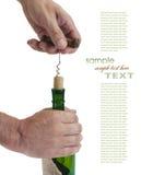 Traction du liège de tire-bouchon de la bouteille Photo libre de droits