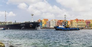 Traction subite et cargo en le Curaçao photos libres de droits