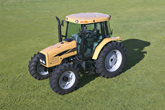 Free Tractor Royalty Free Stock Photography - 9108017