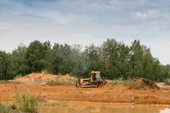 Tractor amarillo Imagen de archivo libre de regalías