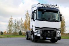 Tractor blanco de Renault Trucks T480 Foto de archivo
