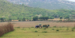 Tractor and countryside of India Royalty Free Stock Photography