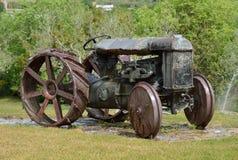 Tractor de antaño del estado de Milmanda Fotografía de archivo libre de regalías