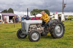 Tractor de Ferguson 35 foto de archivo libre de regalías