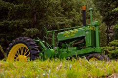 Tractor de fines generales de John Deere Imágenes de archivo libres de regalías