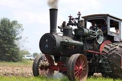 Tractor de granja grande Fotos de archivo libres de regalías