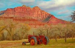 Tractor en el pueblo fantasma de Grafton, Utah Imagen de archivo