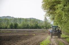 Tractor en la trayectoria Imagen de archivo